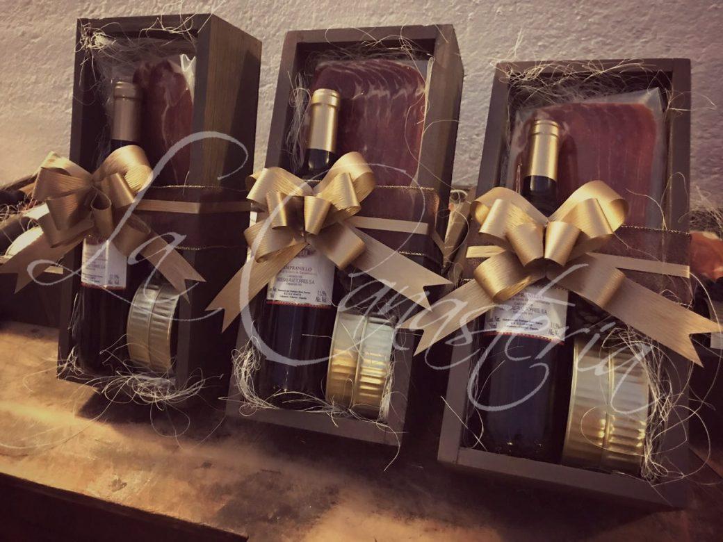 arreglos de vino navideños, regalos corporativos navideños, la canasteria navidad, la canasteria arcones, la canasteria canastas, regalos de vino navideños, regalos empresariales navideños
